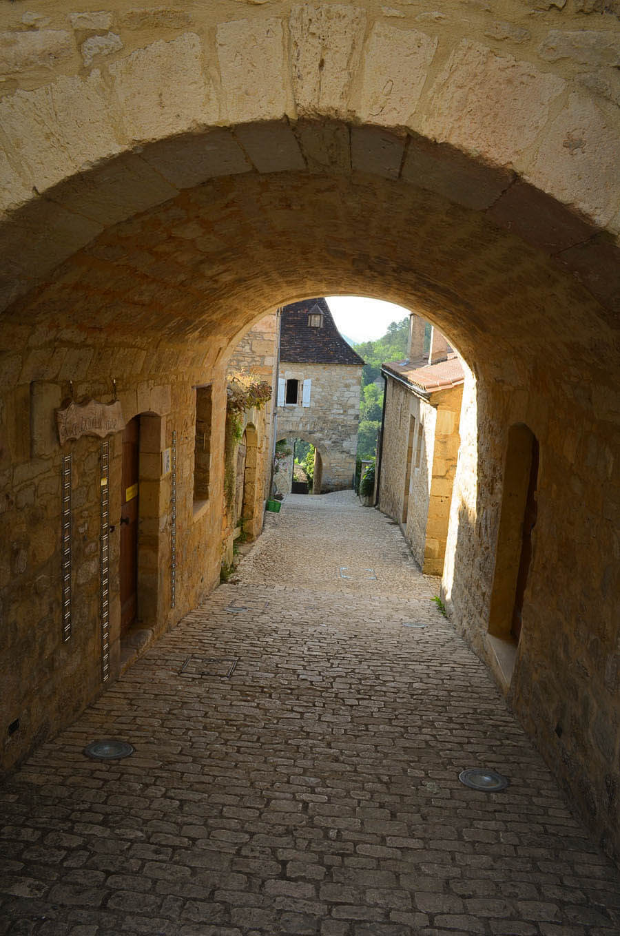 Streets in Castelnaud ner Castel-Bike